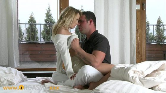 Hotty doggy receives the position of dude banging Porn videos