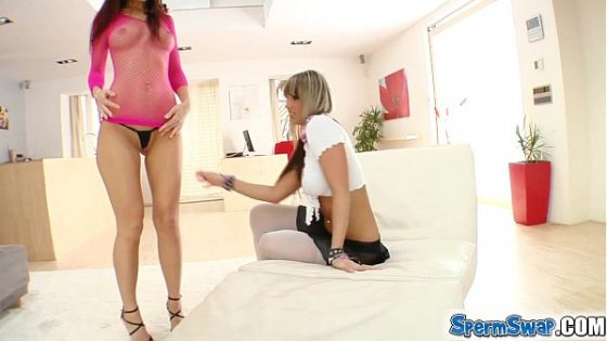 College blonde gives it to the rich man Porn videos